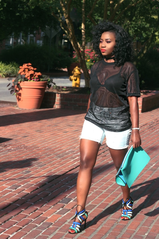 Top || H&M  Jeans || Marshalls  Sandal heels & purse || Zara  Share your thought down below and clicking the like button. You can also share. Thanks.   D.O.S