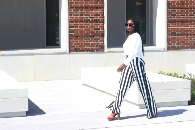 Would you rock this outfit? Let me know what you guys think by commenting and clicking the heart button down below.Thank you for stopping by.   Love  D.O.S  Top || Zara  Pant || Misguided  https://www.missguidedus.com/tall-exclusive-striped-wide-leg-trousers-white   shoe || Zara  Shade || American Eagle  Necklace || Asos